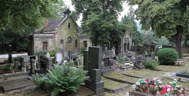 Na hřbitově v Ústí nad Labem se opravuje secesní kaple. V minulosti se přitom uvažovalo o demolici