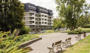 Na pražském Břevnově vznikla nová rezidence Radimova. Architekti si při stavbě museli poradit s neobvyklým terénem