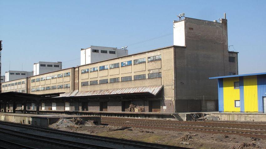 Nákladové nádraží Žižkov připomíná koláč. Kdo si ukrojí největší kus?
