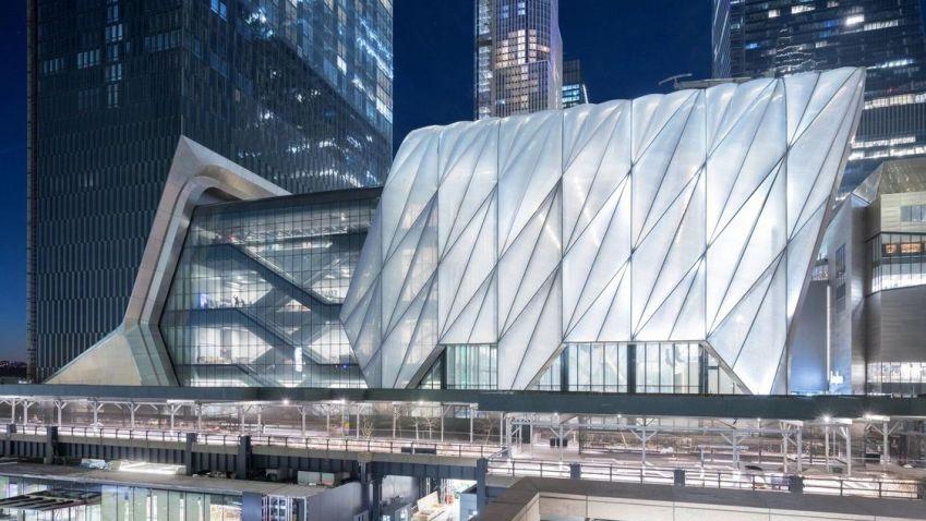 Nové centrum umění v New Yorku vládne jedinečnou technologií. Samo rozšíří i zúží svou kapacitu