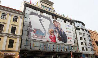 Obchodní dům Bílá labuť: Od proslulého šantánu k modernímu obchodnímu domu