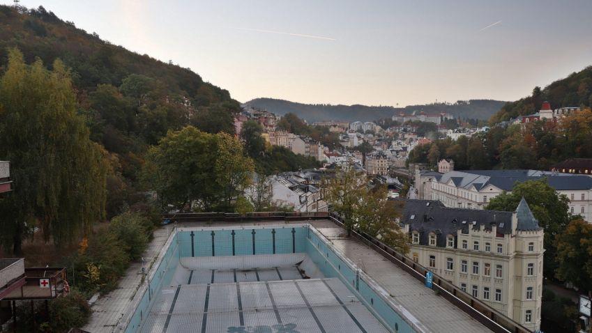 Odstartovaly hlavní práce na opravě bazénu karlovarského hotelu Thermal