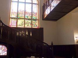 zdroj Wikimedia commons/ Palickap Popisek: Vila Primavesi, vnitřní schodiště
