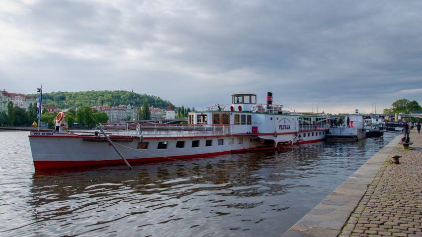 Open House Praha pořádá s architektem Petrem Kučerou komentovanou plavbu po řece Vltavě