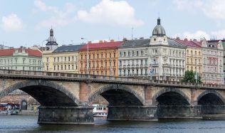 Palackého most v Praze slaví 140 let