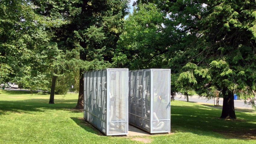 Památník bojovníkům a obětem za svobodu vlasti od bratrů Stolínových v Liberci