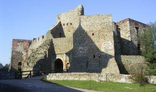 Pevnost Dobrošov nebo hrad Helfštýn, kvůli rekonstrukcím se čekají omezení