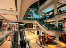 Hotely, obchodní a zábavní centra