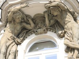 Schierův dům - plastická výzdoba je dílem českého sochaře Viléma Amorta, foto: Martin Fiurášek