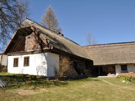 Alenina Lhota, dům čp. 5, roubená usedlost typická pro severní Písecko