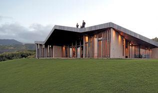 Dům na Maui a (bez)závěsová kancelář od Dekleva Gregorič Architects