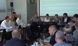 Červnové diskuzní fórum nabídlo odpovědi na diskutované otázky stavebnictví. Je třeba se pohnout z místa, shodují se odborníci