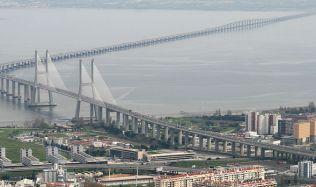 Nejdelší most v Evropě otevřeli před dvaceti lety v Portugalsku