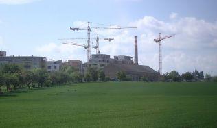 Pražané chtějí nové stavby, ale ne vtěsném sousedství. Dohodu je třeba hledat včas