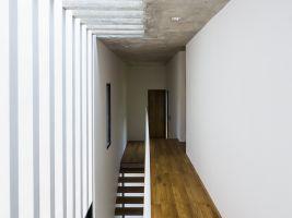 pic13_Corridor_OKI