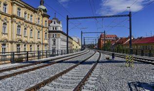 Po Negrelliho viaduktu znovu jezdí vlaky