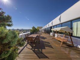 Pokud nechcete pracovat v kanceláři, tak střešní terasy na budovách v BB Centru jsou inspirující alternativou open spacu