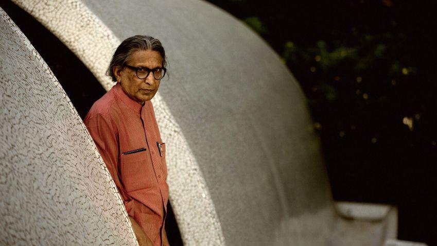 Poznejte tvorbu indického urbanisty Balkrishny Doshiho. Vitra Design Museum otevírá výstavu Architektura pro lidi