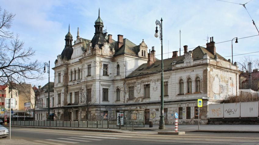 Praha plánuje odkup zpustlého nádraží Vyšehrad