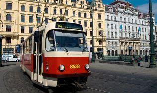 DPP otevřel novou opravárenskou dílnu pro tramvaje. Získal i povolení pro stavbu nové vozovny v Hloubětíně