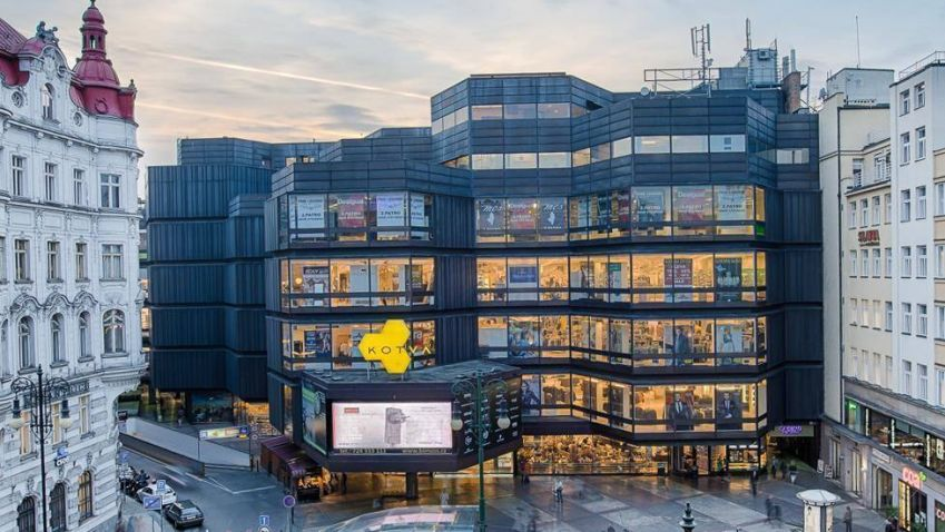 Pražský obchodní dům Kotva se před 45 lety otevřel veřejnosti. V budoucnu jej čeká rekonstrukce