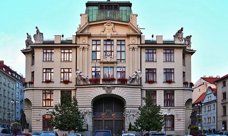 Pražští politici připravují dotační program. Nabídne městským částem peníze na rekonstrukce prázdných bytů