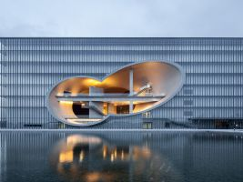Šanghajské Poly Grand Theater – Zhang Yong