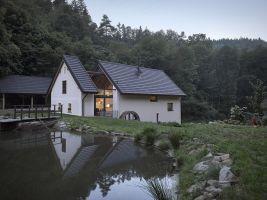 Rekonstrukce historického mlýna u rybníka, Střední Čechy