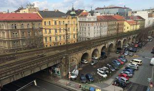 Rekonstrukce Negrelliho viaduktu jde do další fáze