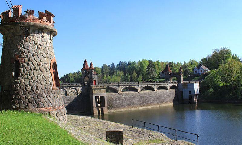 Romantická přehrada Les Království projde opravou