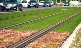 Rychlost s tichostí - Využití odpadu z automobilového průmyslu jako kolejového absorbéru hluku s funkcí retence vody