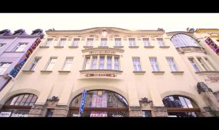 Skryté poklady architektury – 37.díl – Hotel Okresní dům, Hradec Králové