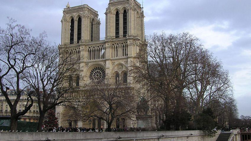 Sanktusníka z Notre-Dame vybudují znovu podle architektonické soutěže