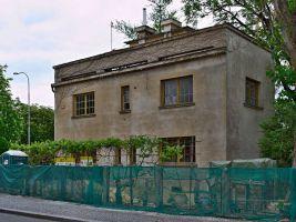 zdroj Wikimedia commons/ Sefjo Popisek: Rothmayerova vila v Praze 6