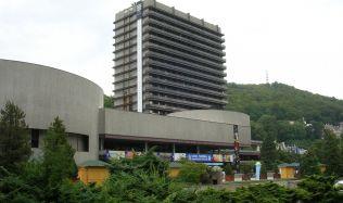 Spor o hotel Thermal pokračuje. Podle Schillerové je postup rekonstrukce právně v pořádku