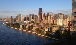 Starosta New Yorku brojí proti skleněným mrakodrapům. Důvodem jsou skleníkové plyny