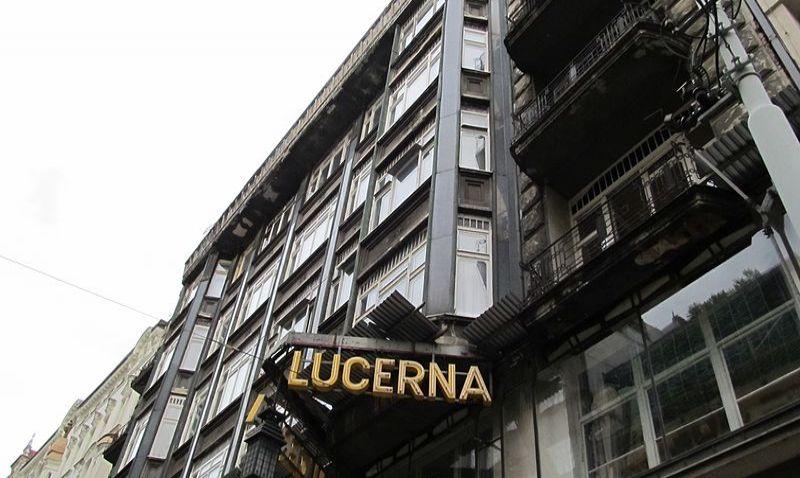 Střecha pražské Lucerny se otevře veřejnosti