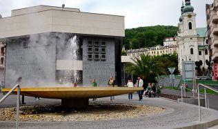 Studenti Fakulty architektury ČVUT navrhovali nový vzhled klíčových míst Karlových Varů. Jejich návrhy představila výstava