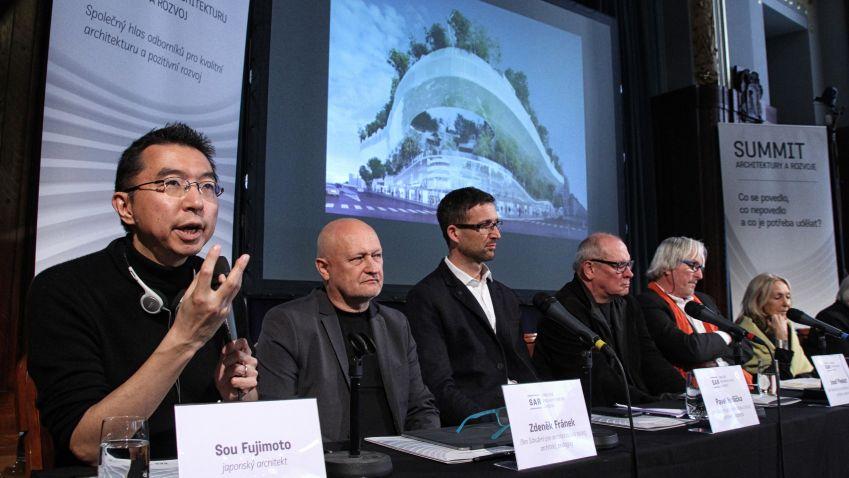 Summit architektury a rozvoje: Trendem je zelená architektura a svět mezi budovami