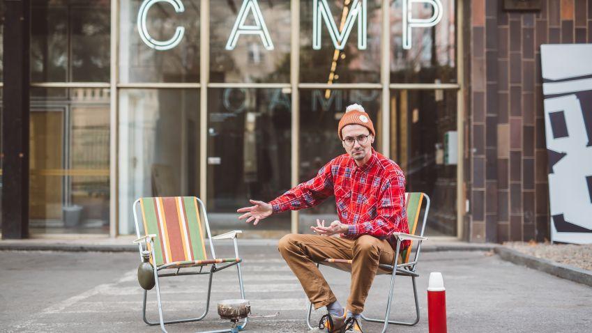 Talkshow Camping Ondřeje Cihláře pokračuje. Jeho hosty budou primátoři Zdeněk Hřib a Matúš Vallo