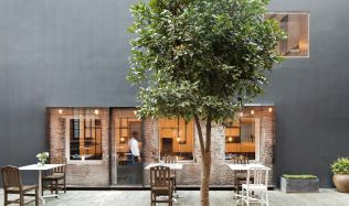 "Tapas bar ""The Commune Social"" v Šanghaji, Číně od Neri&Hu"