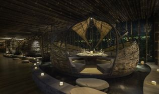 TRi Restaurant in Hong Kong by IBUKU