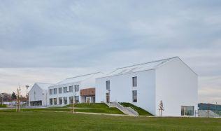 Úspěch základní školy v Psárech u Prahy, jedná se o nejšetrnější budovu roku