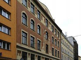 zdroj Wikimedia commons/ Matěj Páral Popisek: Ústecká spořitelna a obchodní akademie