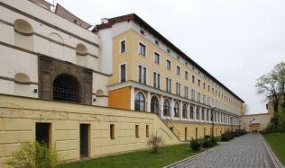 V areálu bývalých papíren na Praze 6 vyrostou byty a kanceláře