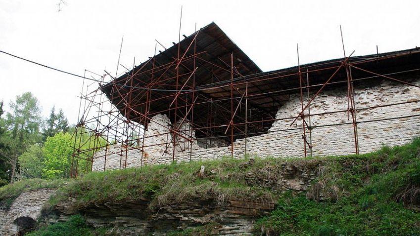 V průběhu března začne oprava hradu Vízmburk