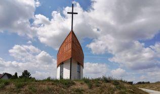 V Sázavě na Žďársku byla vysvěcena kaple. Postavili ji sami farníci