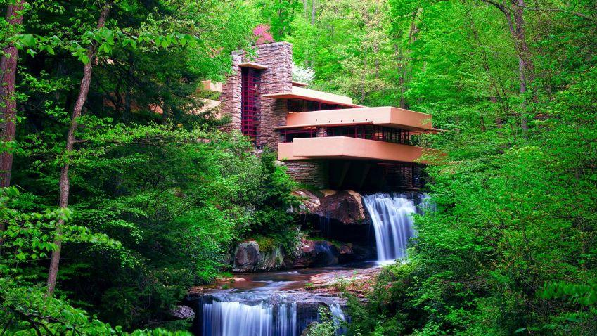 Vila nad vodopádem u říčky Bear Run v Pensylvánii od Franka Lloyda Wrighta