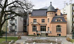 Vila rodiny Löw-Beer: Nacisté, ukradený nábytek a záhadná smrt majitele