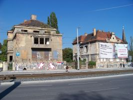 zdroj Wikimedia commons/ ŠJů Popisek: Vily 102 a 100 v ulici Milady Horákové